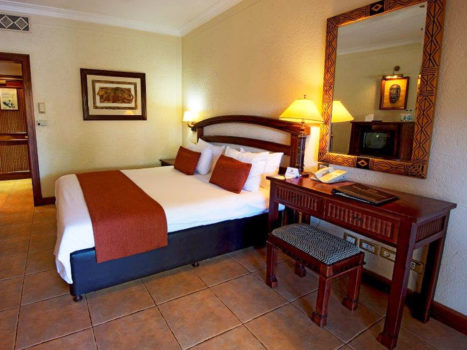 The-Kingdom-Victoria-Falls-Bedroom-Global-Travel-Alliance-SA