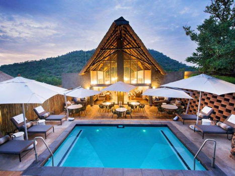 Bakubung-Bush-Lodge--Pool--Global-Travel-Alliance-SA