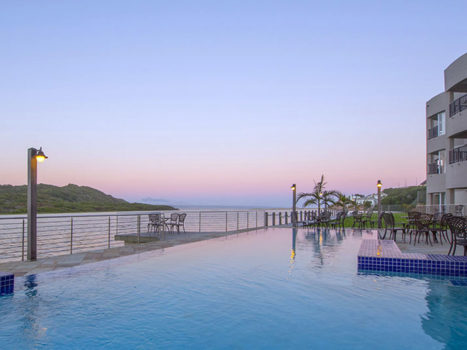 Hartenbos-Lagoon-Resort-Pool-Global-Travel-Alliance-SA
